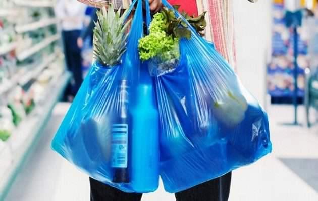 Πώς θα… «τη βγάλουμε» χωρίς πλαστικές σακούλες;